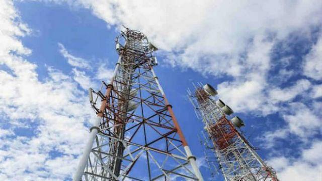 न्यायालय ने दूरसंचार विभाग को स्पेक्ट्रम नीलामी के नतीजों को अंतिम रूप देने की दी अनुमति