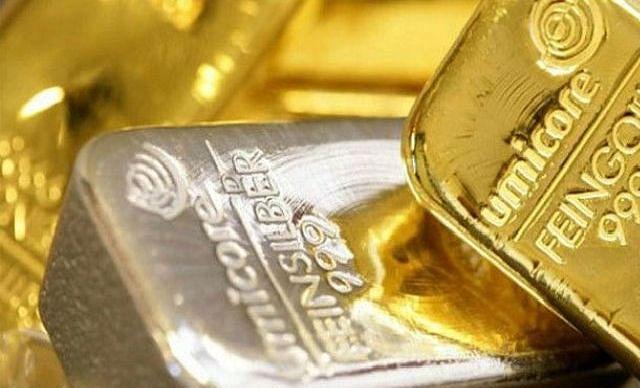 वैश्विक संकेता से सोने में 410 रुपये , चांदी में 550 रुपये  की गिरावट