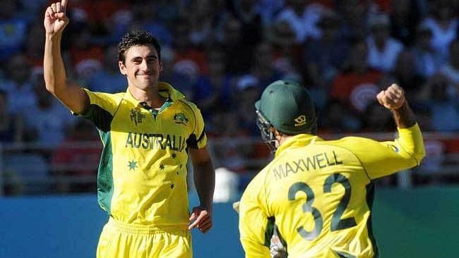 WI vs AUS: अंतिम दो ओवर में दिखें क्रिकेट के साभी पैतरें, वीडियो में देखें स्टॉर्क-रसेल के बीच रोमांच जंग