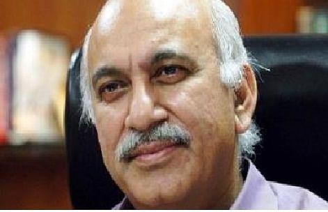भाजपा प्रवक्ता एमजे अकबर ने कहा, राबर्ट वाड्रा ने लूट ली किसानों की जमीन