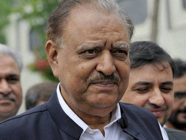 भारत के साथ समान स्तर पर वार्ता का इच्छुक है पाकिस्तान : ममनून हुसैन