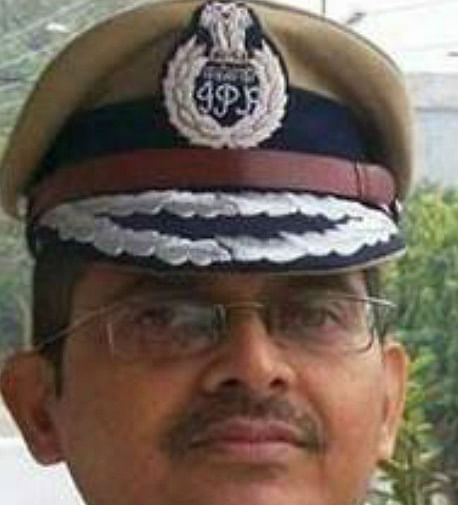 निलंबित आईपीएस अधिकारी अमिताभ ठाकुर को उप्र सरकार ने थमाया आरोप पत्र