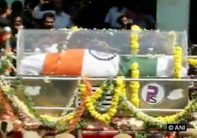 डा. कलाम का अंतिम संस्कार, कई बड़े नेताओं ने दी श्रद्धांजलि