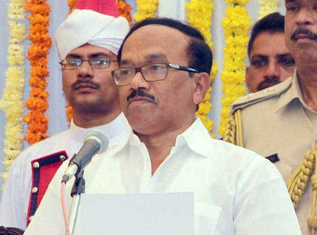 गोवा के मुख्यमंत्री लक्ष्मीकांत परेसकर के साले घूस लेते गिरफ्तार