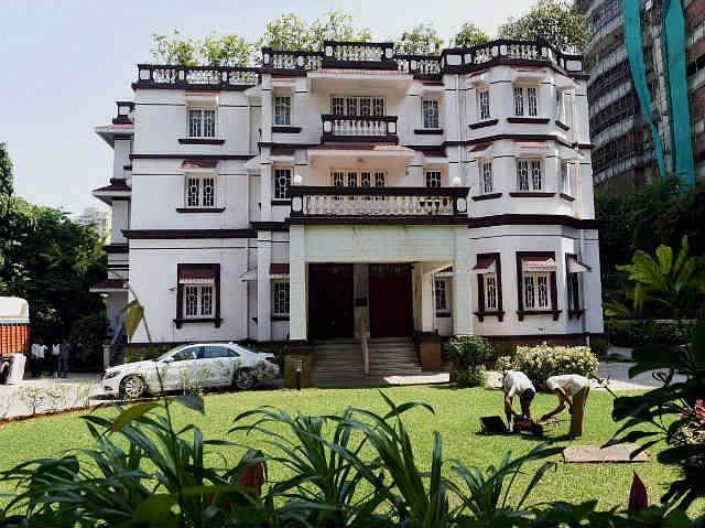 कुमार मंगलम बिडला ने 450 करोड़ रुपये में खरीदा अब तक का सबसे महंगा घर जटिया हाउस