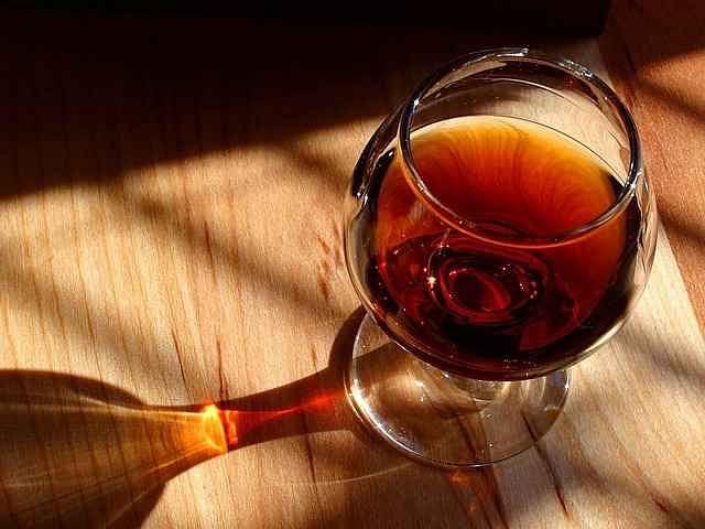 क्या दवा के नाम पर शराब पी कर अपनी जान को खतरे में डाल रहे हैं आप?