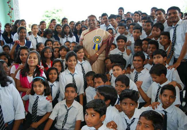 देश को स्मार्ट बनाने के लिए बच्चों को स्मार्ट बनाना होगा : द्रौपदी मुर्मू