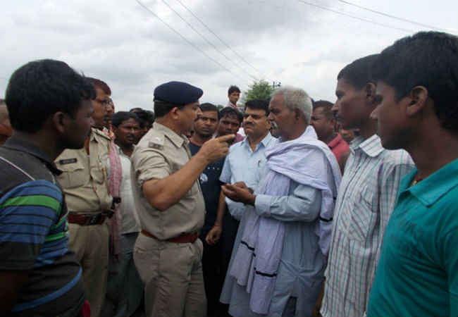 बिहार : बेगूसराय में सड़क हादसे में मासूम छात्र की दर्दनाक मौत, विरोध में NH- 28 जाम