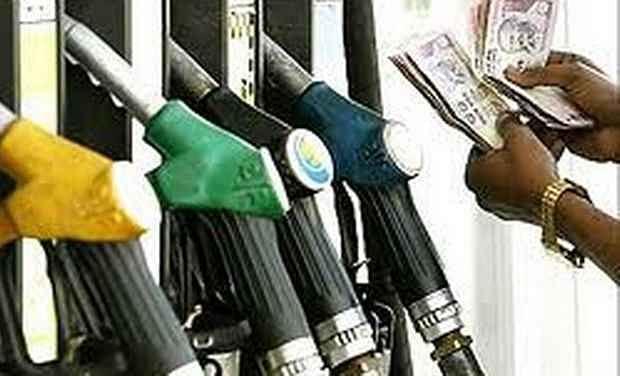 पेट्रोल, डीजल को लेकर सरकार का बड़ा फैसला, पढ़ें