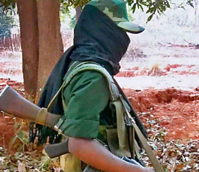 गश्त पर निकली और नक्सलियों में मुठभेड़, माओवादियों ने किया विस्फोट, पुलिस ने दिया मुंहतोड़ जवाब