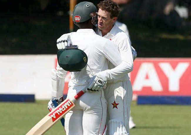 न्यूजीलैंड ने जिम्बाब्वे को पारी और 117 रन से हराया