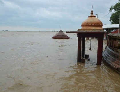 Bihar News: गंगा व अन्य नदियों के जल स्तर पर बढ़ी निगरानी, बिहार में अधिकारियों को किया गया अलर्ट