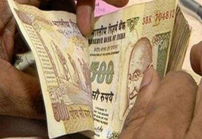 बिहार में ट्रकचालकों से पैसा वसूली में दारोगा हुए गिरफ्तार, वसूली का वीडियो हुआ था वायरल
