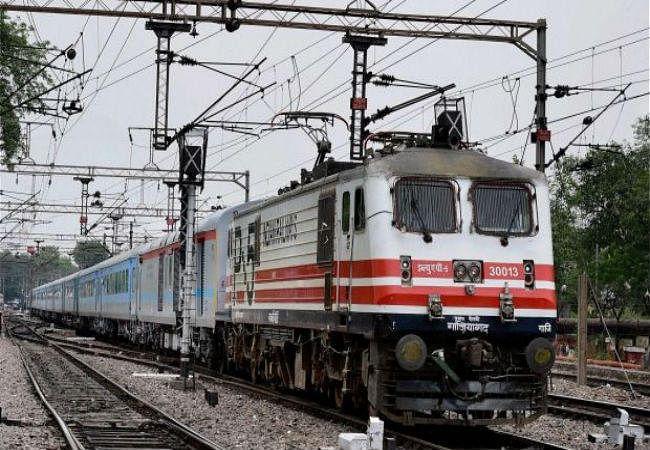 रेलवे के नये टाइम-टेबल में 36 जोड़ी नयी ट्रेन, 350 की बढ़ी स्पीड, पढ़ें