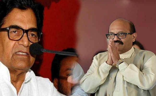 सपा दंगल : आपस में भिड़े अमर सिंह और रामगोपाल, जमकर एक-दूसरे पर निशाना साधा