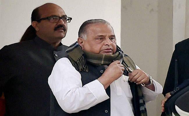 मुलायम ने रामगोपाल को राज्यसभा में सपा के नेता पद से हटाने की मांग की