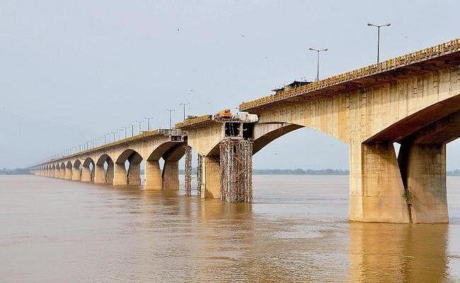 तीन स्टील सुपर स्ट्रक्चर का निर्माण पूरा, जनवरी तक चालू हो जायेगा गांधी सेतु का पूर्वी लेन