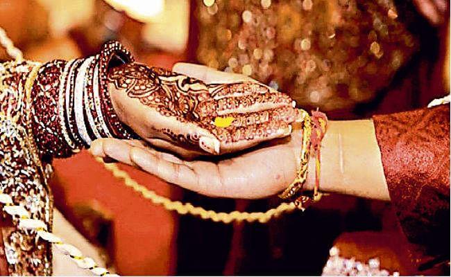 शादियां हुईं डिजिटलाइज, लाइव स्ट्रीमिंग से जुड़ रहे मेहमान
