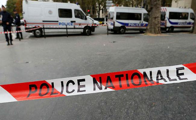 फ्रांस: ''अल्लाह-हू-अकबर'' चिल्लाते हुए आइएसआइएस आतंकी ने चाकू से किया हमला, दो की मौत