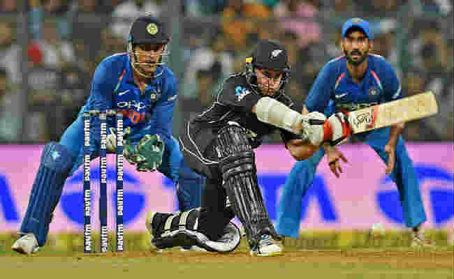 #INDvNZ : कोहली पर भारी लैथम की पारी, न्यूजीलैंड ने भारत को 6 विकेट से हराया