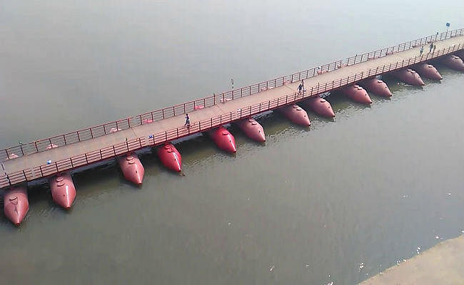 बिहार : तीस से पीपा पुल से कर सकेंगे गंगा पार
