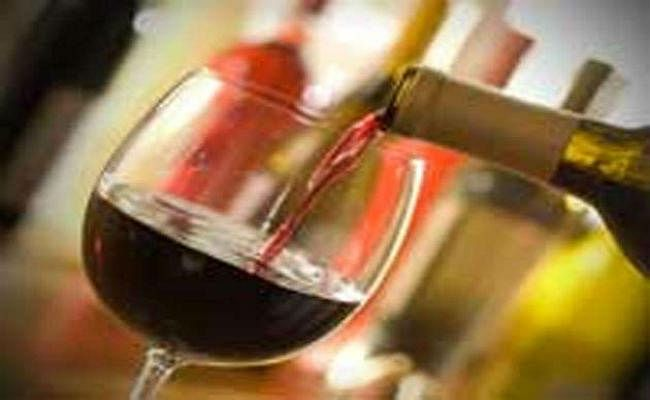 बिहार : 200 कार्टन हरियाणा की शराब बरामद, पांच धराये