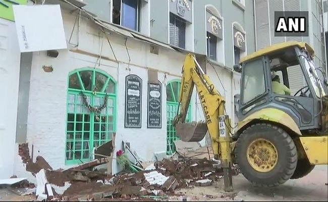 ''अग्निकांड'' में 14 मौतों के बाद जागी BMC, कई अवैध निर्माणों पर चला बुलडोजर, जांच तेज