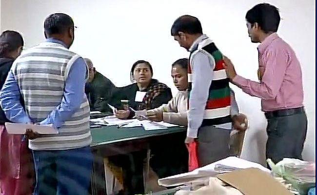 यूपी विधानसभा : पहले चरण का चुनाव आज, 73 सीटों के लिए मतदान शुरू
