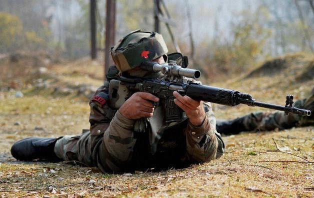 जम्मू कश्मीर के पुलवामा में आतंकवादियों के साथ फिर हुई मुठभेड़, 1 आतंकी ढेर