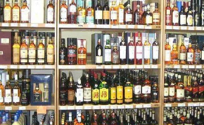 बंद करायी जा रही है राजमार्गों पर शराब दुकानें