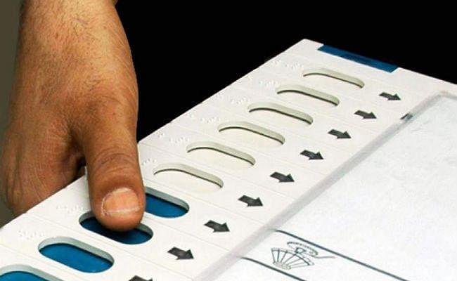 Bihar Election 2020 : वोटरों के लिए चुनाव आयोग की बड़ी तैयारी, एक लाख होंगे मतदान केंद्र