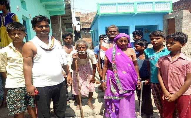 VIDEO : सात वर्षों में भी शेखपुरा के इस महादलित टोला में नहीं पहुंच सका फ्लोराइड ट्रीटमेंट प्लांट का पानी