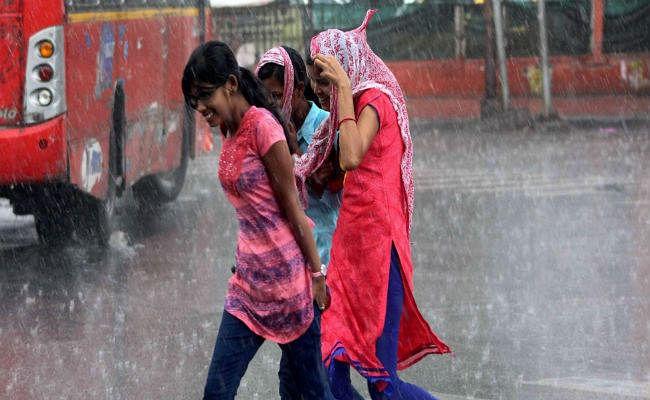 Jharkhand Weather Forecast : रांची में अब तक 207 मिमी से अधिक वर्षा, 21 जून तक मॉनसून रहेगा सक्रिय, लेकिन कल से राज्य के इन इलाकों में भारी बारिश का अनुमान