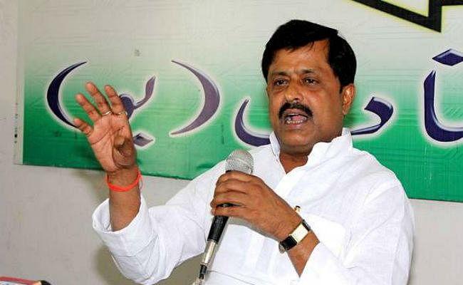 किसान आंदोलनरत, भाजपा योग दिवस में व्यस्त : संजय