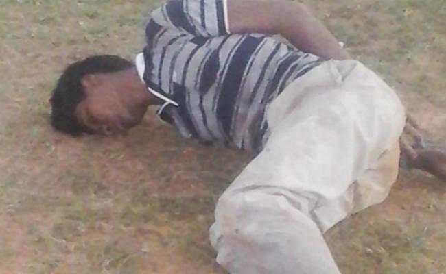 दुमका : आठ वर्षीया बच्ची के अपहरण व हत्या के बाद ग्रामीणों ने पीट-पीट कर युवक को मार डाला
