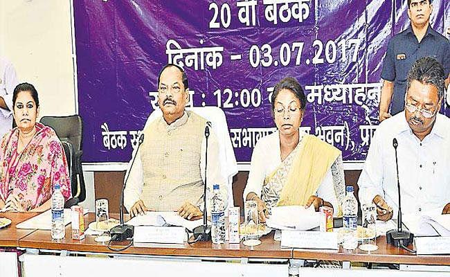 जानिये, क्यों मुख्य सचिव राजबाला वर्मा समेत अन्य अफसरों को टीएसी की बैठक से बाहर निकाला गया