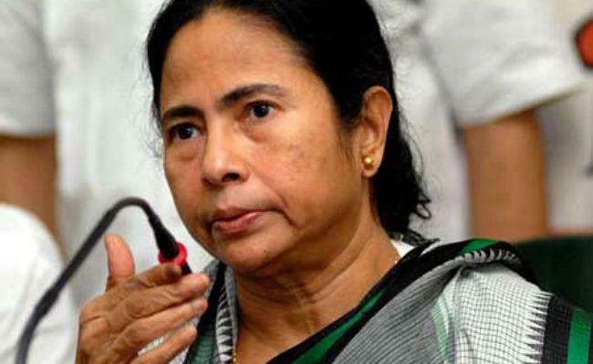 सांप्रदायिक दंगा रोकने के लिए बूथ स्तर पर किया जायेगा शांति वाहिनी का गठन : ममता बनर्जी