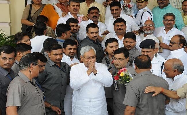 Nitish Government : नयी सरकार का शपथ ग्रहण आज, शाम 4:30 बजे 7वीं बार सीएम बनेंगे नीतीश, तारकिशोर का डिप्टी बनना तय