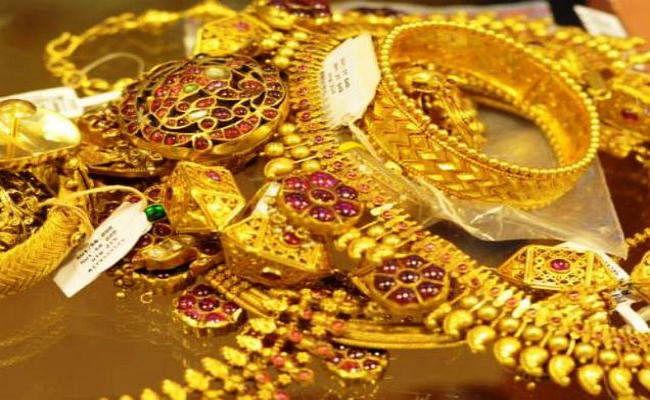 Festive season से पहले सोना बन गया हीरा, पढ़ें देश भर में कितनी बढ़ी मांग...!