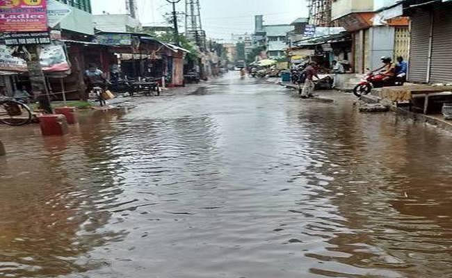 पटना : मात्र 6 घंटे की बारिश में पानी-पानी हुई राजधानी, जलजमाव वाले इलाकों के स्कूल बंद
