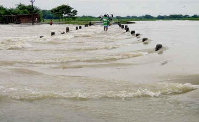 Flood in Bihar: नेपाल में भारी बारिश के बाद बिहार के कई जिलों में हाइ अलर्ट, बाढ़ का खतरा