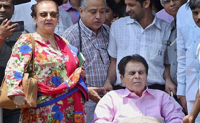 दिलीप कुमार की हालत में सुधार, तीन दिन रखा जाएगा आईसीयू में