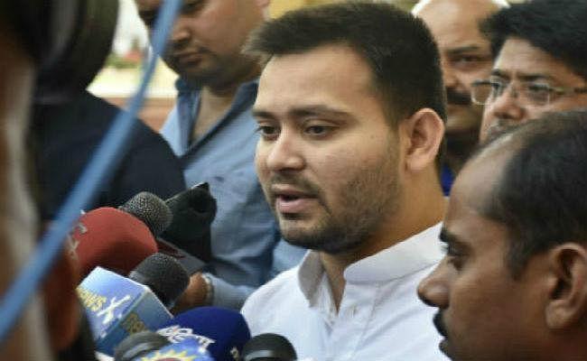 VIDEO : तेजस्वी ने CM पर लगाया बड़ा आरोप, कहा- नीतीश ने ही हमारे परिवार पर मरवाये सीबीआइ के छापे