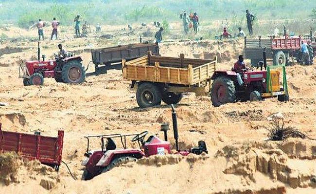 बिहार में अफीम के बाद अब बालू के अवैध धंधे से मजबूत हो रहे नक्सली! अरबों के खेल पर कब्जे की तैयारी