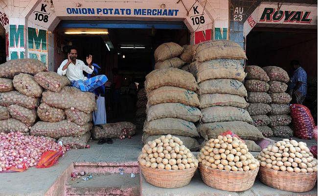 Inflation In Jharkhand 2021 : महंगाई ने लोगों का निकाला तेल, खाने पीने की वस्तु के दाम बढ़ने से परेशान हुए लोग, जानें खाद्य पदार्थों के दाम कितने प्रतिशत बढ़ा