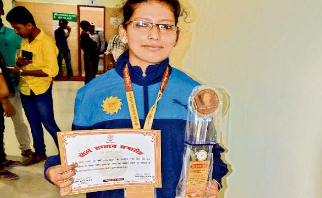 घर की दुर्गा : यह है आज से देवी मां जिसने 18 साल की उम्र में बनायी अंतरराष्ट्रीय पहचान