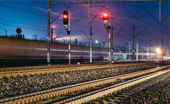 खत्म हो जायेगा रेल का लाल-हरा सिग्नल, जानें क्या होगी नयी प्रणाली