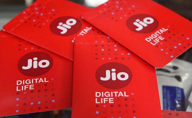 Reliance Jio रिचार्ज पर 100% कैशबैक, JioPhone की डेटा लिमिट भी हुई दोगुनी...!