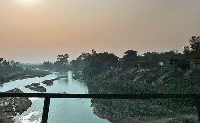 पुनपुन नदी का अस्तित्व खतरे में, मिटती जा रही हैं पहचान