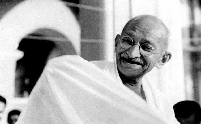 महात्मा गांधी की पुण्यतिथि पर विशेष: अफसोस! उस रोज कोई बत्तख मियां नहीं था